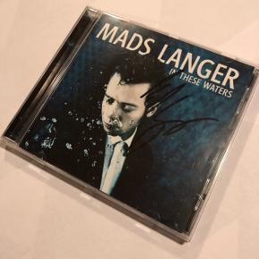Mads Langer - In these watersSigneret Ingen ridser Mp. 75 kr