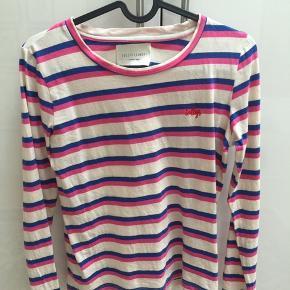 Langærmet bluse fra Lollys Laundry, sælger den da den er blevet for lille til mig 😔💓  Kun brugt et par gange💞