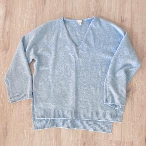 Blød og varm sweater fra H&M i himmel-blå💜