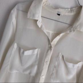 Sød transparent skjorte :)