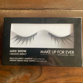 Make Up For Ever vipper med glimmer. Perfekt til Halloween. Aldrig brugt.  OBS. Da jeg er stoppet i Sephora, sælger jeg ud af min samling. Alt makeup jeg sælger er 100% ægte.
