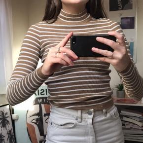 Stribet trøje fra Gina Tricot  Str. X-small  Aldrig brugt  Byd gerne