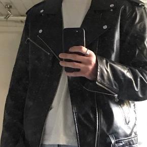 COLLUSION Skind- & læderjakke