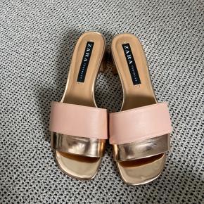 Fine sandaler fra Zara. Brugt en gang. Farven er koral.