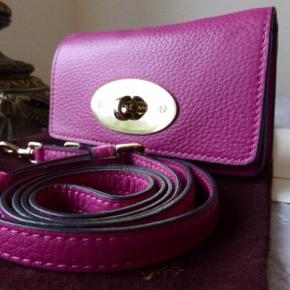 Sælger denne fine mulberry iPhone case/bag. Flere billeder kan sendes