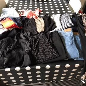 Blandet tøj pakke str. S ( lidt i M)