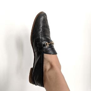 Sorte loafers.