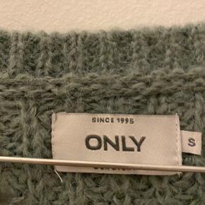 Sælger denne fine sweater. BYD