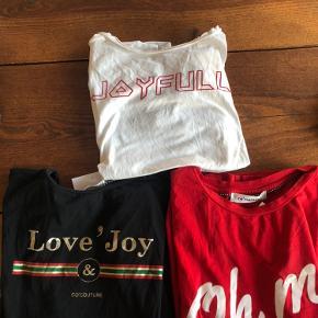 I super stand   3x t-shirts fra co'couture (love joy, joyfull og oh My chick) - perfekt stand. Brugt meget få gange. Den ene aldrig brugt. Nypris pr.stk 400kr  Sælges samlet for 400kr