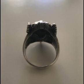 Fed viking ring i sølv stemplet 925  mener den er str 64