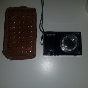 Super fint Olympus kamera! Kun brugt 2 gange, super fin stand. Kom med et bud, da jeg ingen fast pris har.