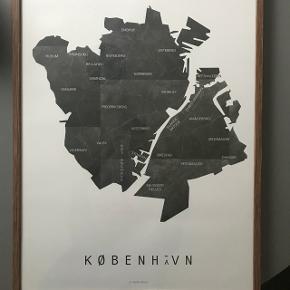Jeg sælger denne København plakat. 50x70. By Martin Moore.  Rammen medfølger IKKE.