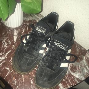 Adidas spezial Str 36 men store i str passer 37-37,5 Sælges billigt da de har behov for en vask
