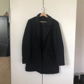 """Super lækker ternet """"blazer"""" jakke fra FREEQUENT🌞 brugt få gange."""