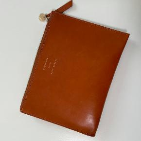 & Other Stories clutch