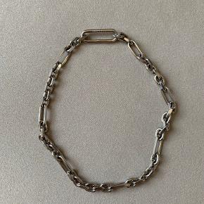Maison Margiela Halskæde, Sølvfarvet messing. 50 cm lang (åben)