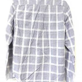 Fed casual skjorte fra h&m Størrelse medium Pris 200kr inkl forsendelse Skriv pb hvis der er interesse 🌼 https://www.instagram.com/sofiemortensensgarderobe/