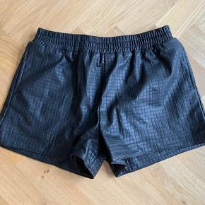 NOTION 1.3 shorts