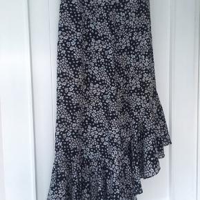 Sommer nederdel / blomster nederdel Str xs Lukkes med lynlås