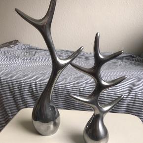 2. stk. Menu smykketræer  Aluminium / krom  Lille: H: 26 cm Stor: H: 38 cm
