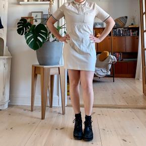 Cute little preppy Monki dress 👓