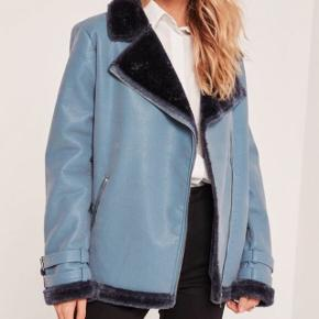 Missguided Blue faux fur pilot jacket- god stand.🧥🧥🧥 np. 700. Byd💕