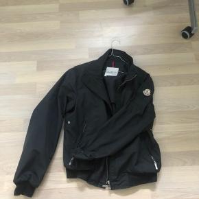 Moncler jakke Fin stand Str 2 fitter small-medium ca