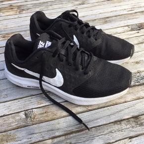 Meget lidt brugte Nike running. Rigtig fine.