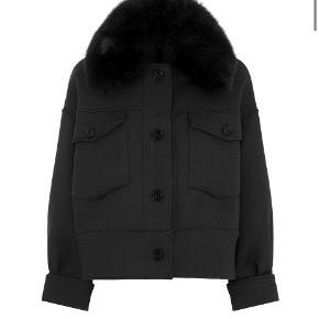 Mega flot meotine jakke sælges, da jeg ikke vil få den brugt . Str. S/M