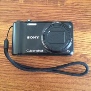 Sony digital kamera - model DSC-HX5.  10,2 mega pixels + 10x optisk zoom.  Super godt kamera...som nyt.  Lader, kabel til computer og memorycard på 2 GB følger med.  Nypris 3000.
