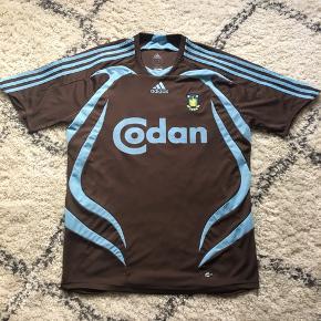 Sender pakker ud i morgen🌸🌸   Brøndby brun udebane Adidas fodbold trøje med Anders Randrup tryk størrelse medium. Brugt en enkelt gang da den er købt for stor.  Ingen tegn på brug
