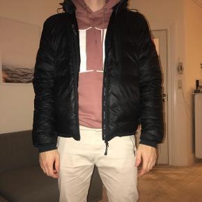 Haft jakken i 1,5 år.. super glad for den, men er en frossenpind så vil ha en lang model 👍