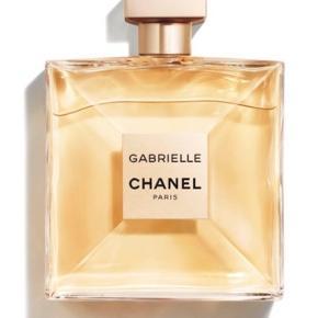 Ny Chanel Gabrielle 100 ml edp. Stadig pakket ind i Chanel gavepapir og plomberet. Prisen er fast bytter ikke