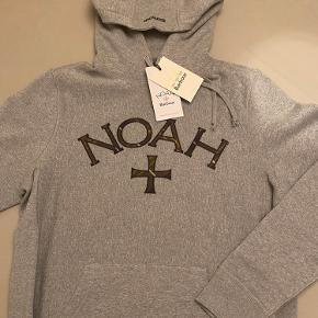 Noah x Barbour hoodie fra det udsolgte colab. Købt i forkert størrelse, hvorfor jeg er nødt til at sælge.