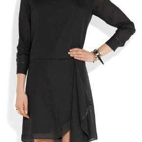 Meget smuk acne kjole - model Adelle- den kostede 1999 kr og sælges for 550 kr pp