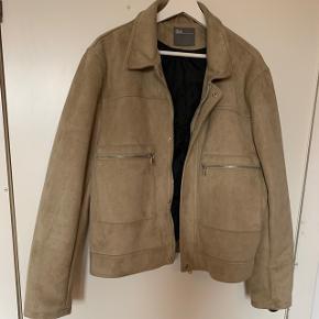 Faux ruskinds jakke