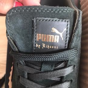 BYD BYD BYD!  Puma by Rihanna creepers i grøn og bordeaux Str.38 - Nypris 1300kr Kvittering haves på mail hvis der ønskers  Original sko kasse og duster bag medfølge Er åben til at forhandler prisen :)