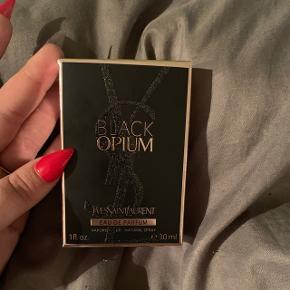 Sælger denne parfume fra YSL, da jeg har fået en magen til i julegave. Aldrig brugt.