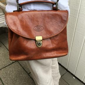 Fin vintage taske fra burkelys leather House  Mål 27x20