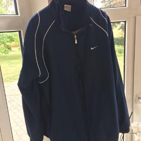 8ec36ecb Vintage/Retro mega fed Nike jakke. Ville være god som sommerjakke