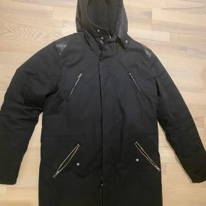 Elvine jakke. Str L.