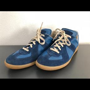 Cond 8/10Boks medfølger Størrelse: 44  Sneakers Farve: Blå