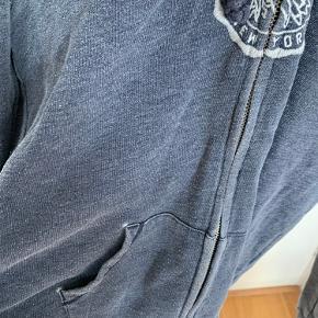 Rigtig fed trøje fra Abercrombie & Fitch. Brugt en del, men stadig i super fin stand :) Byd meget gerne!! Skriv gerne for flere billeder🌸🌸