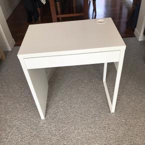 Micke skrivebord fra Ikea 73x50 cm