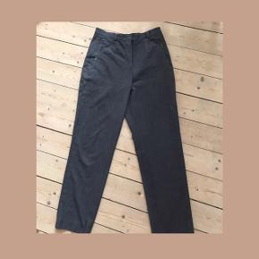 Fine retro bukser . Mørkegrå. God pasform på en s/m