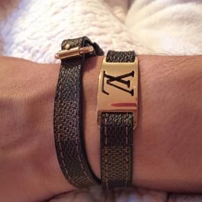 Sælger Louis Vuitton armbåndKondi 9/10 Kvittering haves Mp: 1000kr Np: 2500kr Bin: 1400kr BYD gerne