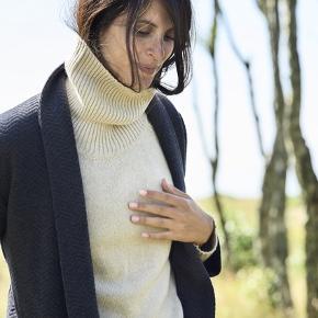 Virkelig smuk blazer fra Moshi Moshi mind 💕 Dejlig behagelig at have på.  Str. S  #Secondchancesummer