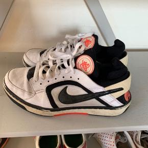 Vintage Nike Huarache sneakers