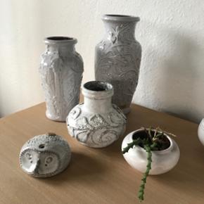 Forskellige hvid tysk keramik Forskellige vaser spørg efter pris eller Byd  Keramik pindsvin mp 100kr   Randers nv Århus Ålborg mm   Til salg på flere sider Sender gerne på købers regning