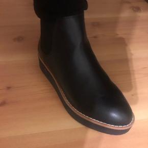 Mentor læder støvler  Nypris 700